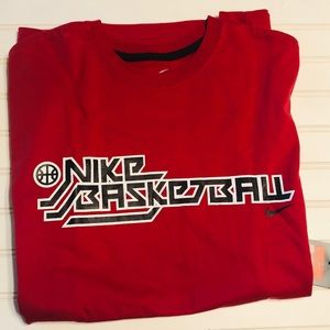 Nike Men's Basketball T-Shirt, Large
